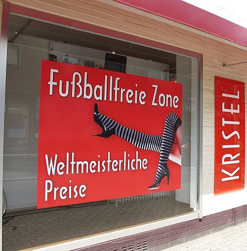 Foto: Grabenstr. Fussballfreie Zone. DU-Neudorf